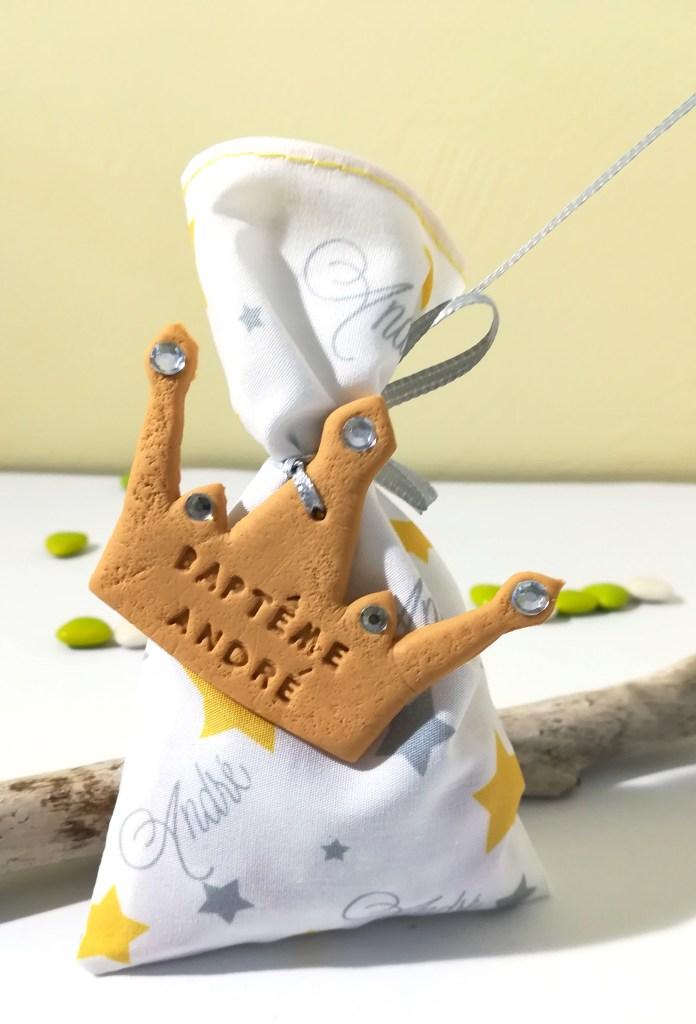 sachet de dragées thème petit prince, couronne, etoile