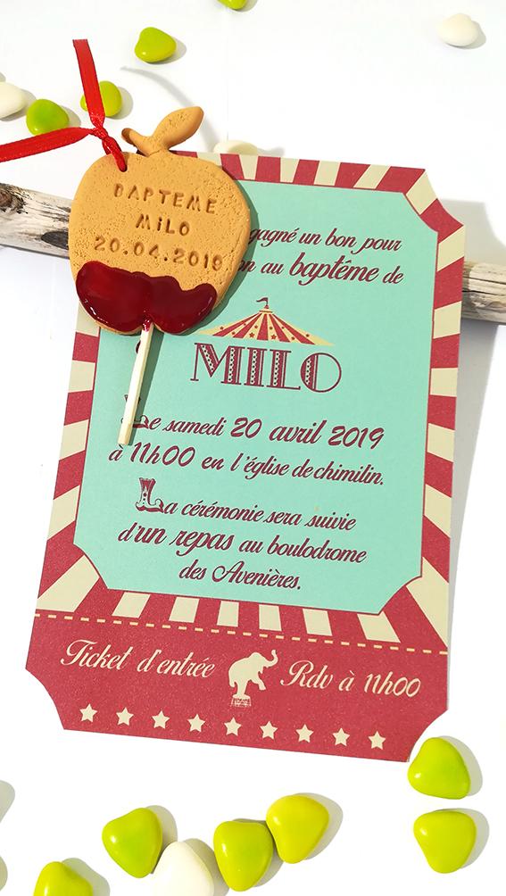 Faire-part d'invitation, thème cirque, avec pomme d'amour personnalisée prénom et date. Style rétro, vintage.