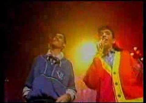 Mc Miker G & DJ Sven – Holiday Rap