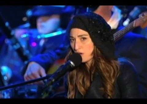 Sara Bareilles & Ingrid Michaelson – Winter Song