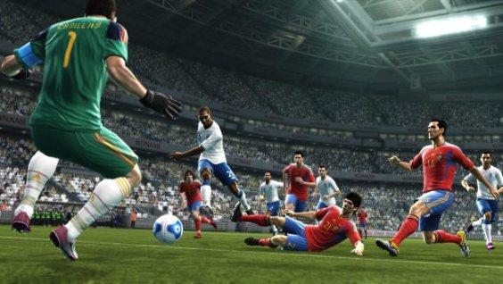 تحميل لعبة كرة القدم بيس 2017 PES الاصلية للكمبيوتر والموبايل