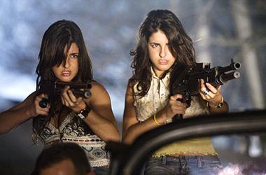 """Electra y Elise Avellán, una entrevista con las """"Crazy Babysitters"""", las gemelas venezolanas de 'Grindhouse'"""