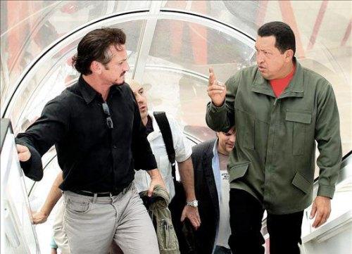 Sean Penn acompaña a Chávez durante inspección de gasoducto
