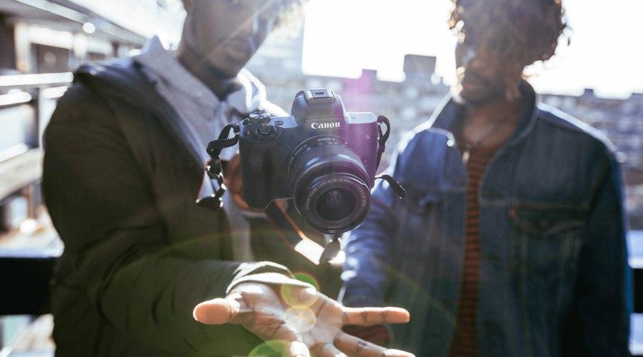 Canon EOS M50, la cámara perfecta para youtubers y vloggers