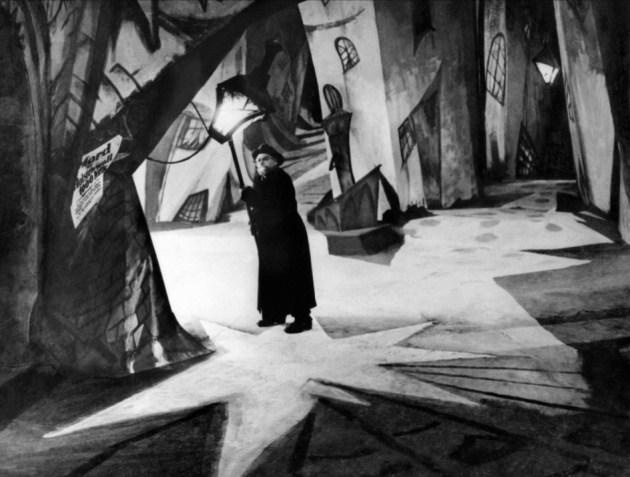 Fotograma de la película expresionista alemana El Gabinete del dr. Caligari