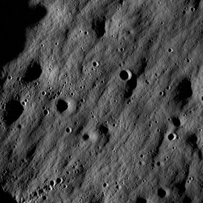Crateri in prossimità del Mare Nubium - Particolare (credit: NASA/Goddard Space Flight Center/Arizona State University)