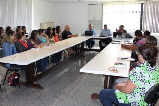 Profissionais designados pelo MEC avaliam questões como infraestrutura, acervo bibliográfico e corpo docente da Uefs. (Foto: Ascom Uefs)
