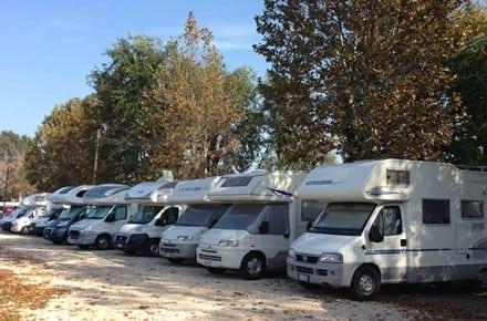 ¿Se paga la tasa turística en los campings y áreas de autocaravanas ?