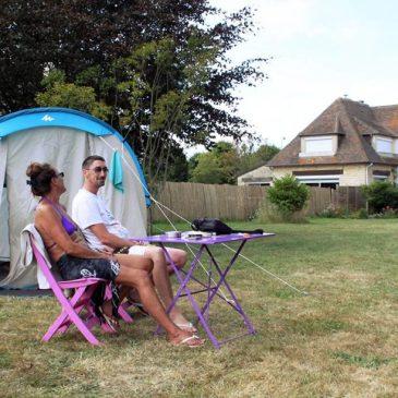 Gamping: acampar en un jardín privado.
