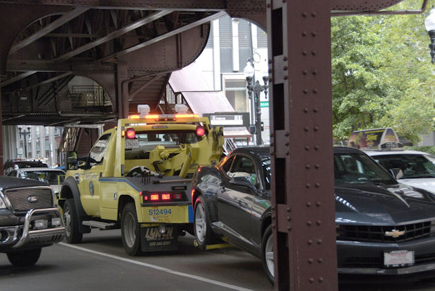 Chicago Tow Truck (by Tripp)