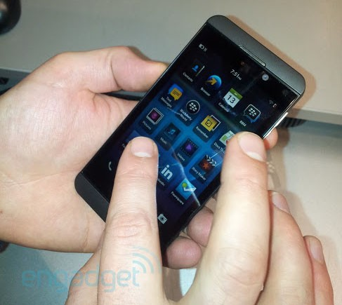 BlackBerry Z10 spotted at UK retailers prior to BB10 event
