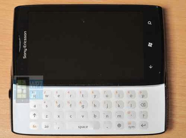 Sony Ericsson Jolie Windows Phone prototype