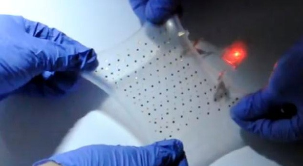 Stretchable, serpentine lithiumion battery works at three times its size