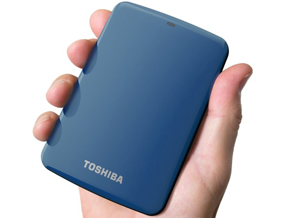 Toshiba Canvio Connect drive backs up smartphones, shares files remotely