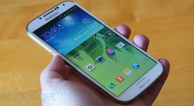 PSA Samsung Galaxy S 4 now on sale at many Canadian carriers