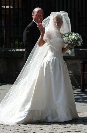 zara-phillips-wedding-dress