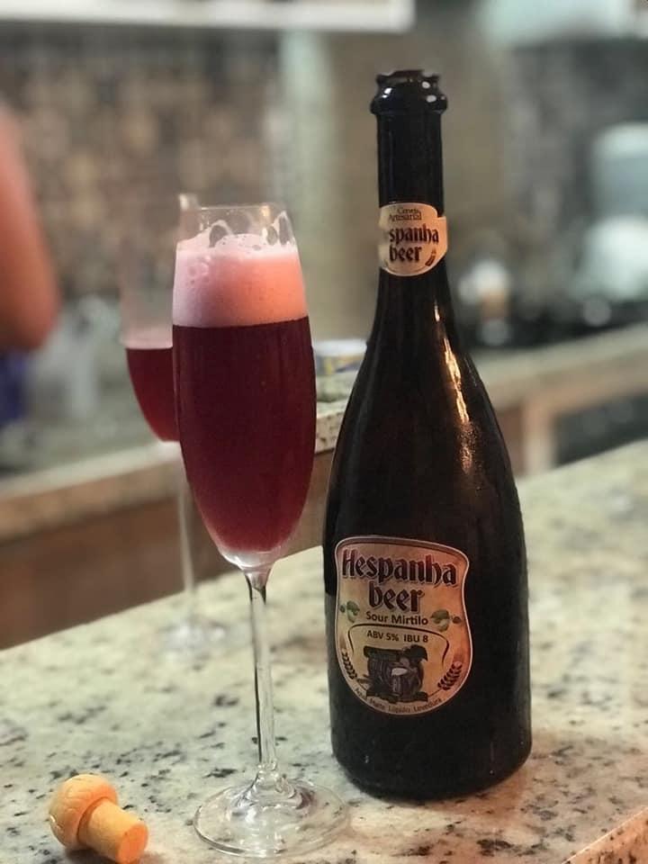 cervejaria A premiada Sofia Sour, cerveja com mirtilo da Hespanha Brewery