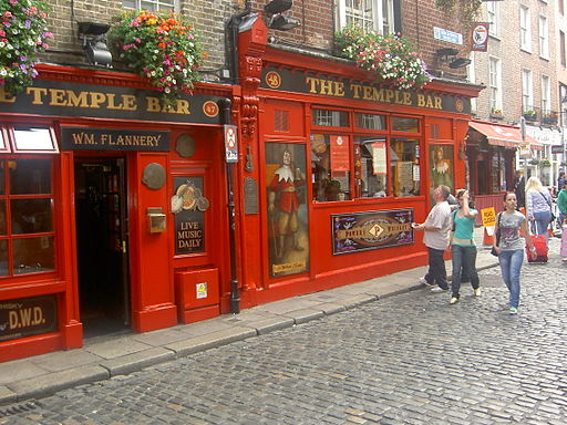 Temple Bar | Foto by Cotton via Wikimedia Commons