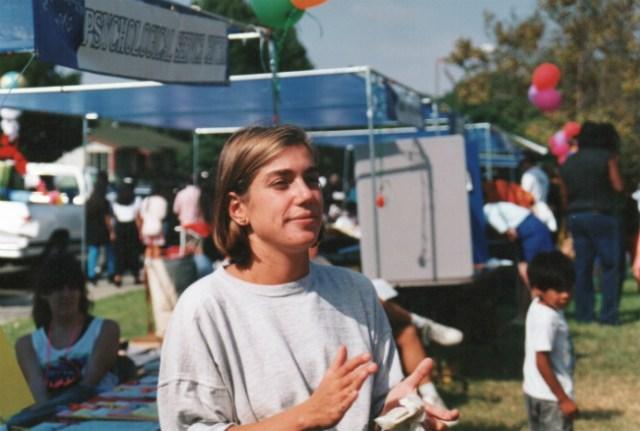 Tissen em evento comunitário, durante seus estudos em San Diego, EUA | Foto: Andrea Tissenbaum