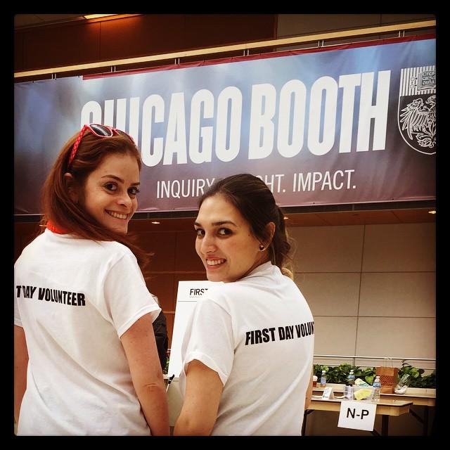 Giuliana e sua melhor amiga em Chicago Booth   Foto: Giu Reis