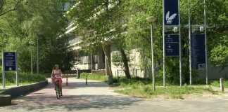 Campus da VU Amsterdam | Foto: Scientist 100, via Wikimedia Commons