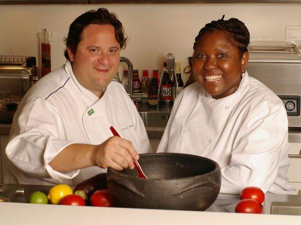 Chefs brasileiros abrem suas portas para fãs da gastronomia francesa