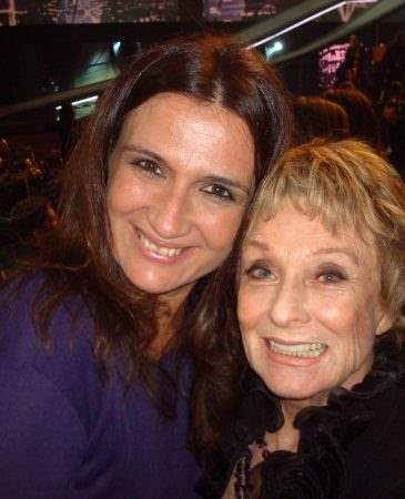 Eu e a vencedora do Oscar, Cloris Leachman, durante a entrega do People´s Choice Awards.