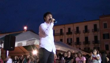 Pierfrancesco Esposito durante un concerto