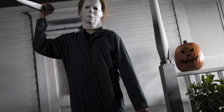 Halloween la notte delle streghe con coltello