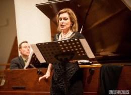 Riccardo Piacentini (al pianoforte) e Tiziana Scandaletti (Soprano) durante il concerto a ItalienMusiziert