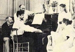 Claude Debussy al pianoforte