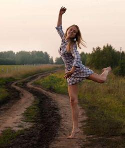 benefici della musica: ballare da soli