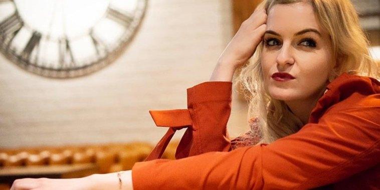 Alessa XO, cantautrice