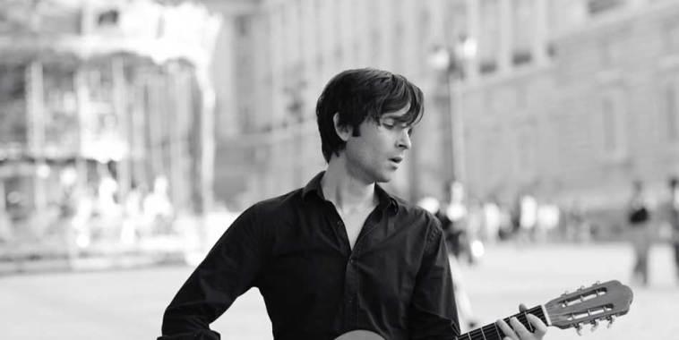 Binary Drift, cantautore con chitarra