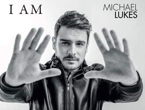 """Michael Lukes sulla copertina dell'EP """"I AM"""""""