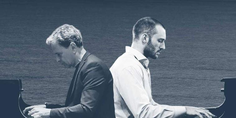 Massimo Buffetti e Daniele Marchetti di spalle entrambi al pianoforte
