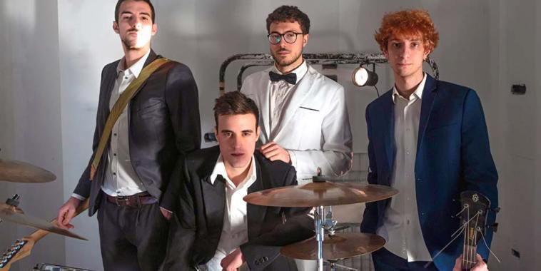 La band Hawkesi