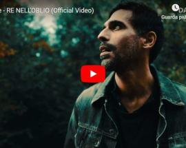Hot Ice nella copertina del video Re nell'Oblio