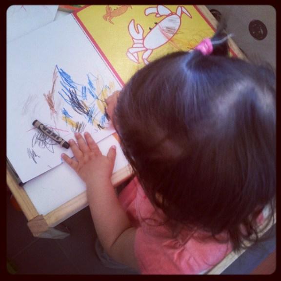 Bébé dessine...