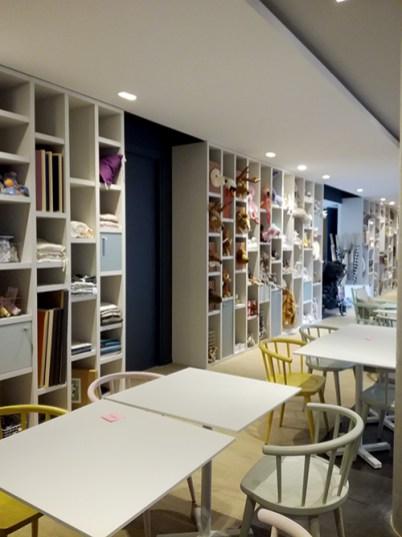 restaurant cafe ouimums