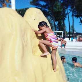 piscine camping castellas