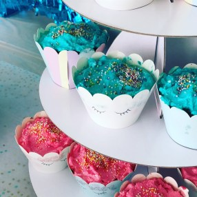 cupcakes sweet table pastel