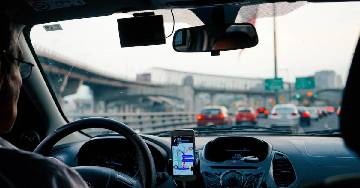 Aeropuertos y conectividad: taxis y el panorama post Uber