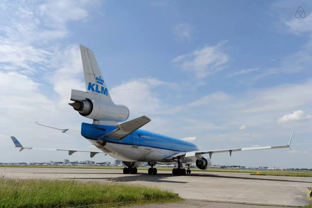KLM y AirBNB se alían
