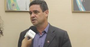 """Charliton reclama de cooptação do PSB a lideranças de partidos aliados: """"Fez isso com o PCdoB"""""""