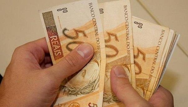 Governo do Estado paga servidores nesta sexta-feira