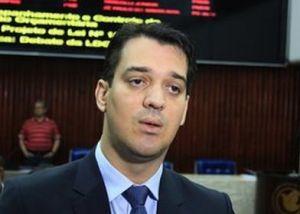 Tarcio Pessoa não aceita desmembramento de secretarias e entrega cargo a RC