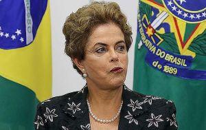 Dilma tentou deixar o PT em dezembro, segundo Folha de São Paulo