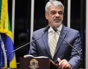 Humberto Costa é o novo líder do governo no Senado