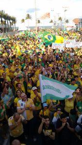 Ato pró-impeachment: Deputado desiste de discurso ao ser vaiado na Orla de João Pessoa